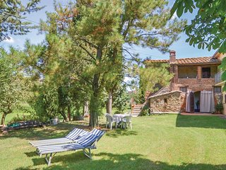 3 bedroom Villa in Monte San Savino, Tuscany, Italy : ref 5541033