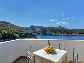 1 bedroom Apartment in Pokrivenik, , Croatia : ref 5608387