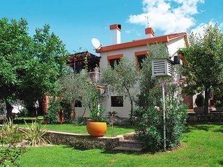2 bedroom Apartment in Njivice, Primorsko-Goranska Zupanija, Croatia : ref 54402