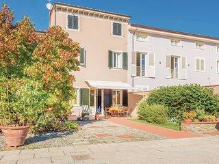 2 bedroom Villa in Lammari, Tuscany, Italy : ref 5540304