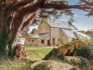 3 bedroom Villa in Kerydreuf-en-Plouhinec, Brittany, France : ref 5565484