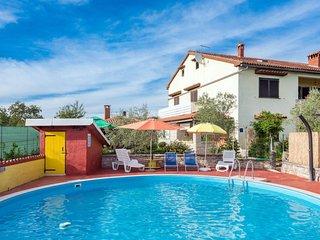 2 bedroom Apartment in Muntrilj, Istria, Croatia : ref 5641050