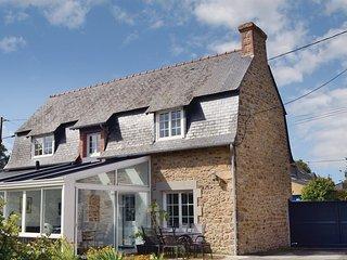 3 bedroom Villa in Pleurtuit, Brittany, France : ref 5565499