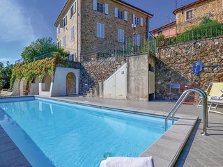 2 bedroom Apartment in Pedona, Tuscany, Italy : ref 5541109