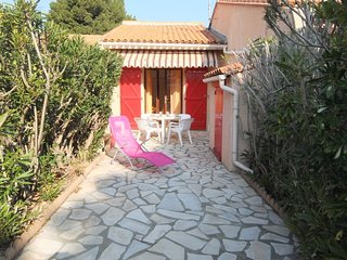 1 bedroom Villa in Saint-Cyprien-Plage, Occitania, France : ref 5060020