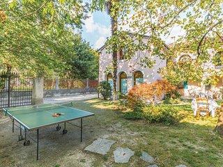 3 bedroom Villa in Vittorio Veneto, Veneto, Italy : ref 5540632