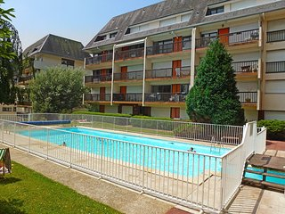 1 bedroom Apartment in Trouville-sur-Mer, Normandy, France : ref 5516995