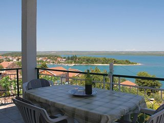 2 bedroom Apartment in Raslina, Šibensko-Kninska Županija, Croatia : ref 5563758
