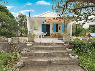 1 bedroom Villa in Jadrija, Sibensko-Kninska Zupanija, Croatia : ref 5575325