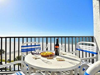 Caprice 407-2BR-prof. decorated-beach front-walk to stores/restaurants!