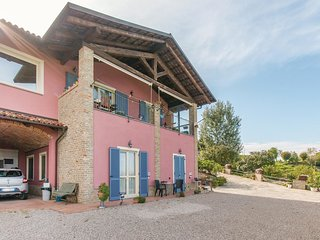 1 bedroom Apartment in Barbaresco, Piedmont, Italy - 5570179