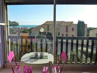 1 bedroom Apartment in Saint-Pierre-sur-Mer, Occitania, France : ref 5038391