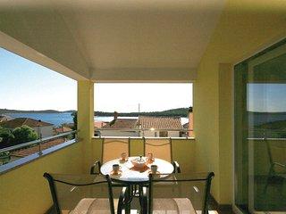 2 bedroom Apartment in Rogoznica, Šibensko-Kninska Županija, Croatia : ref 55637