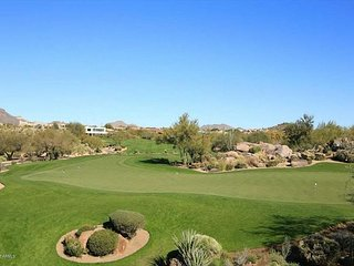 2450 Square Foot Luxury Town-Home with Golf Course and Mountain VIEWS!