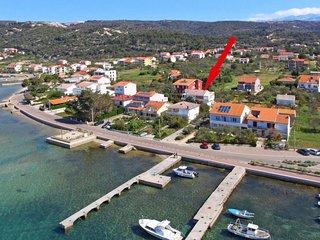 2 bedroom Apartment in Barbat, Primorsko-Goranska Zupanija, Croatia : ref 564119