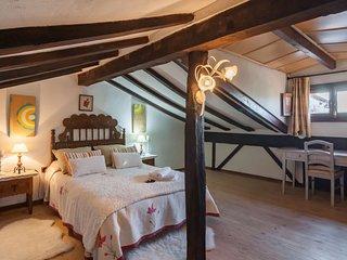 3 bedroom Villa with Walk to Shops - 5043590