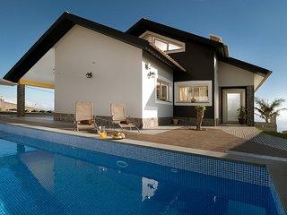 Villa Sea Colors, sun, pool and sea view
