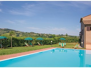 2 bedroom Apartment in Querce al Pino, Tuscany, Italy : ref 5548391
