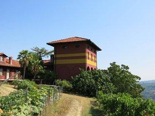 2 bedroom Villa in Diano d'Alba, Piedmont, Italy : ref 5443078
