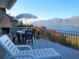 1 bedroom Apartment in Porto Valtravaglia, Lombardy, Italy : ref 5440970