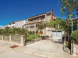 2 bedroom Apartment in Cres, Primorsko-Goranska Zupanija, Croatia : ref 5571444