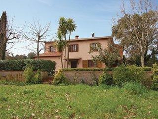 2 bedroom Apartment in Il Poggiolo, Tuscany, Italy : ref 5532319