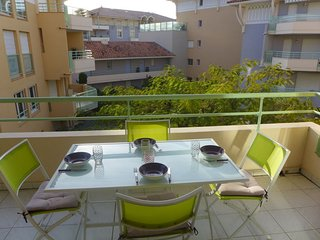 1 bedroom Apartment with WiFi and Walk to Beach & Shops - 5486628