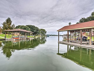 NEW! Willis Townhome w/2 Boat Slips on Lake Conroe