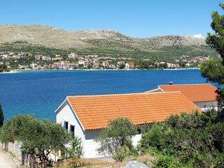 2 bedroom Apartment in Baselovici, Croatia - 5641084