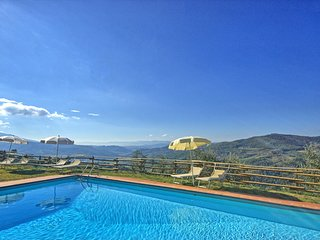 Lastro Villa Sleeps 16 with Pool Air Con and WiFi - 5624799