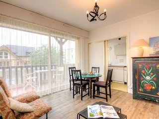 1 bedroom Apartment in Trouville-sur-Mer, Normandy, France : ref 5519557