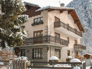 3 bedroom Apartment in Zuino, Aosta Valley, Italy : ref 5543456