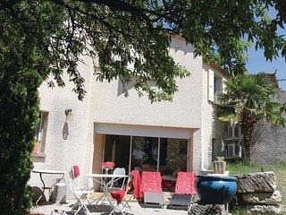 2 bedroom Villa in Visan, Provence-Alpes-Cote d'Azur, France : ref 5522439