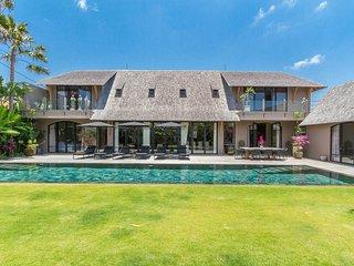 Villa Nehal - luxury 5 bd villa w/20m pool