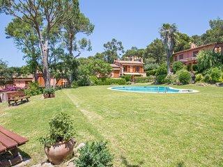 Llafranc Villa Sleeps 6 with Pool and WiFi - 5223666