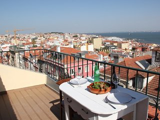 1 bedroom apartment in Lapa w/ terrace &river view