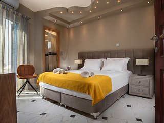 Lux Room in Adamas