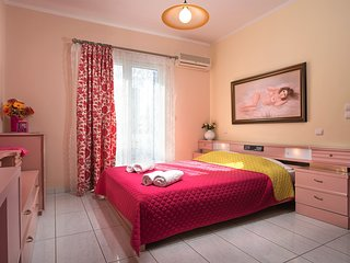 Angelica's  'Pink' Room in Adamas