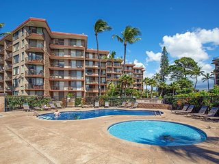Oceanview condo with shared pool, tennis, & sauna - steps from the beach