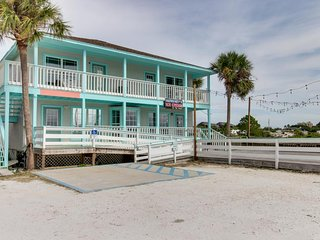 NEW LISTING! Cozy, pet-friendly condo with amazing gulf and ocean views!