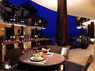 Ocean Views 2B/2B El Taj Ocean, Luxury Condo Hotel