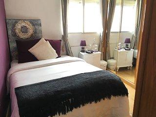Muy Acogedora habitación con aire-acondicionado
