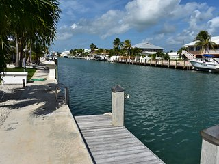 Barefoot By The Keys- Key Colony Beach-Home w/private dock/Cabana Club Access