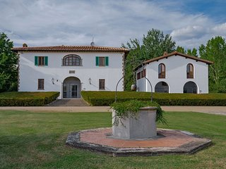 Villa Accioly 11 - Villa and dependance in traditional Tuscan architecture