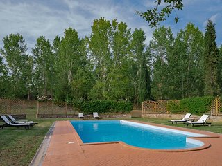 Villa Accioly 11 - Villa and dependance in traditional Tuscan architecture