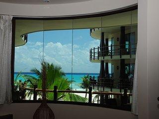 Ocean Views 2 BR/2B condo El Taj Ocean, Playa del Carmen