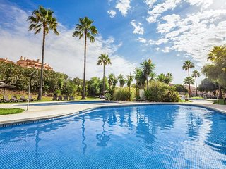 Málaga 1BR - Peaceful Seclusion, Well-Manicured Gardens, Resort Pools!