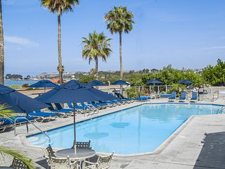 FLASH SALE!!! Oceanview Studio w/ WiFi Available, Patio, BBQ Grill & Resort Pool
