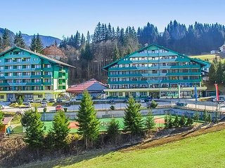 Mountainside Studio Near Alps Ski Resort w/Steam Room & Indoor Heated Pool!