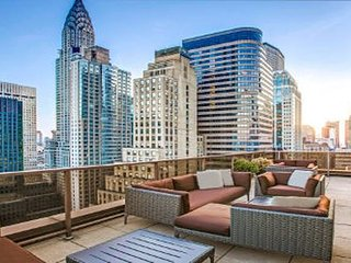 Spacious Midtown Manhattan contemporary Resort walking distance to Grand